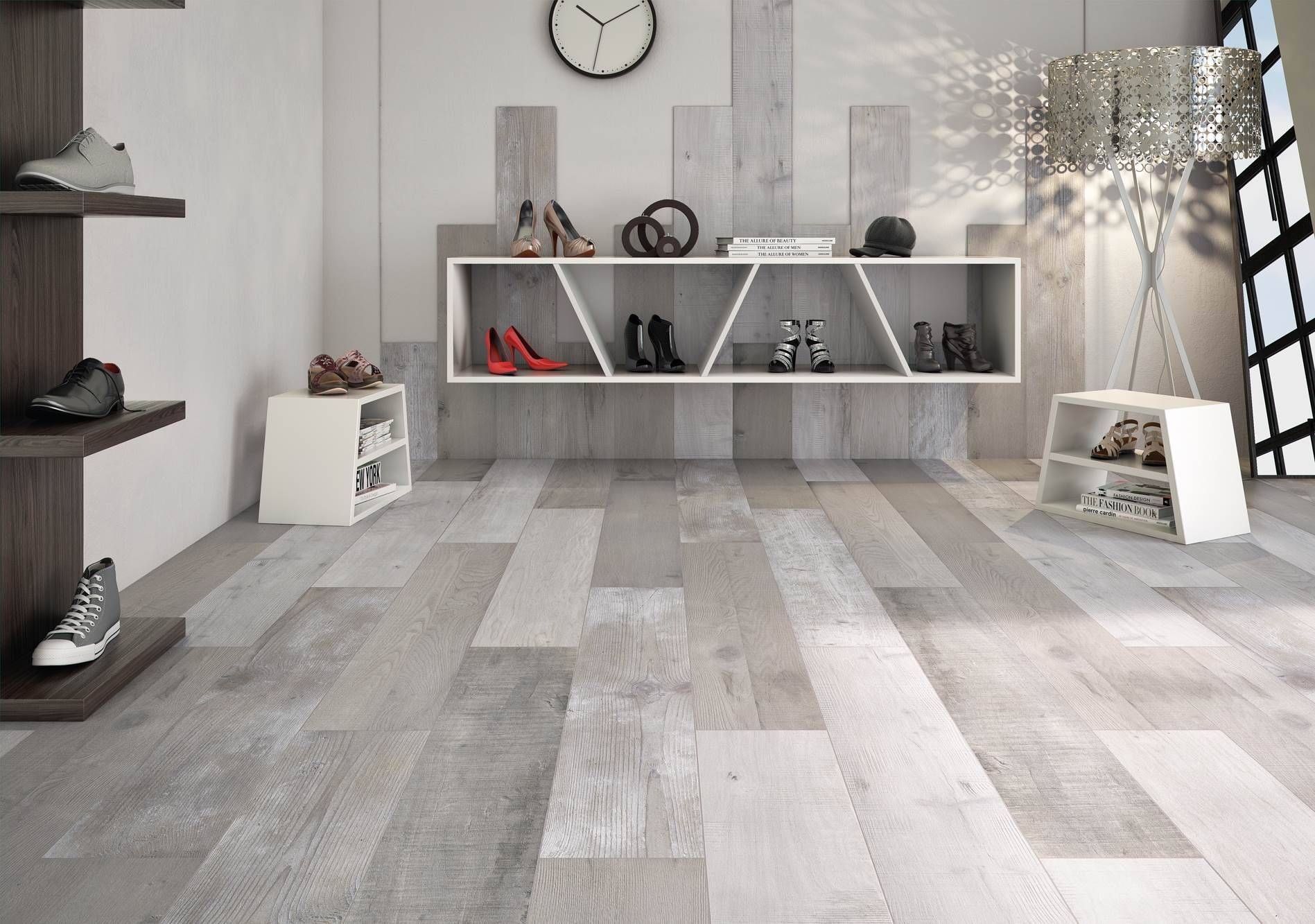 Suelo imitacion madera gris amazing perfect porcelnico for Suelo porcelanico gris